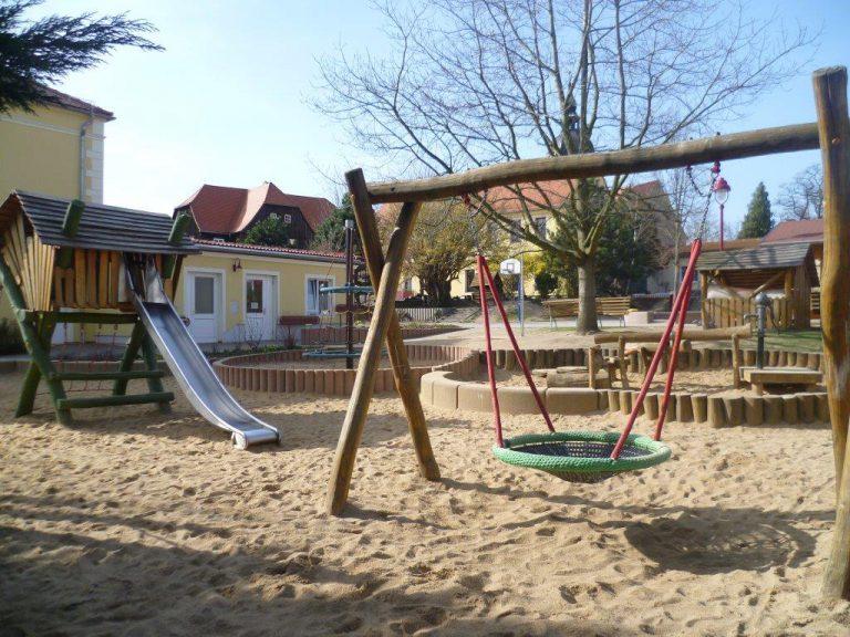 Kinderhaus-Aussengelaende-3